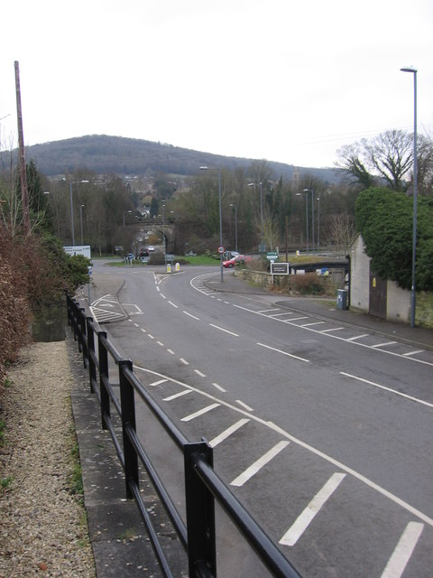 The A363 meets the A4