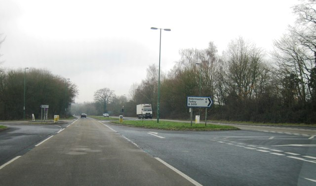 A339, crossroads
