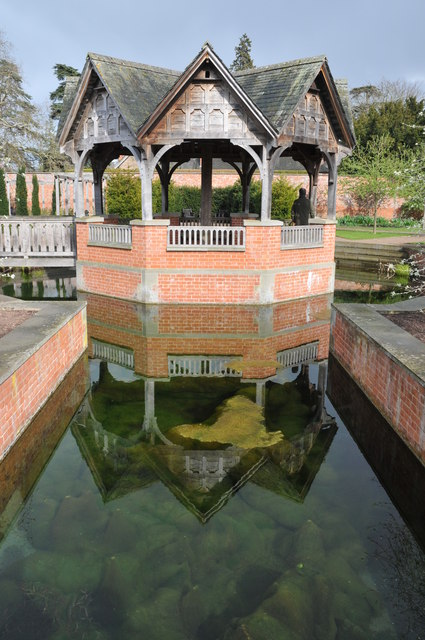 Summerhouse, Hampton Court