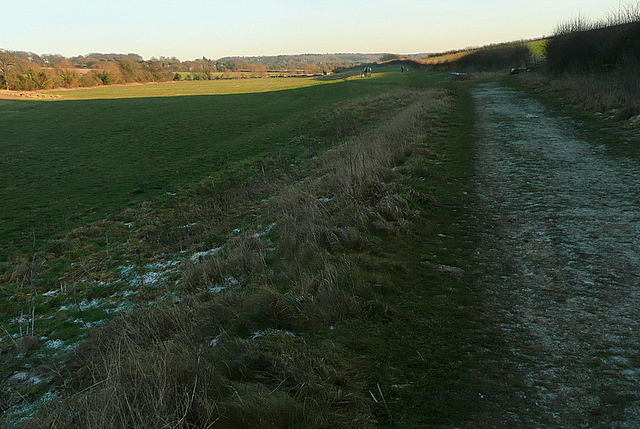 Footpath along the Misbourne valley