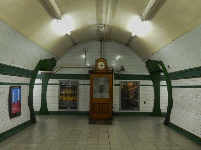 Clock, Warwick Avenue Underground Station