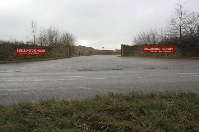 Entrance to Shellingford Quarry from A417