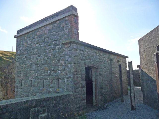 Brean Down - Brean Down Fort Ablution Block