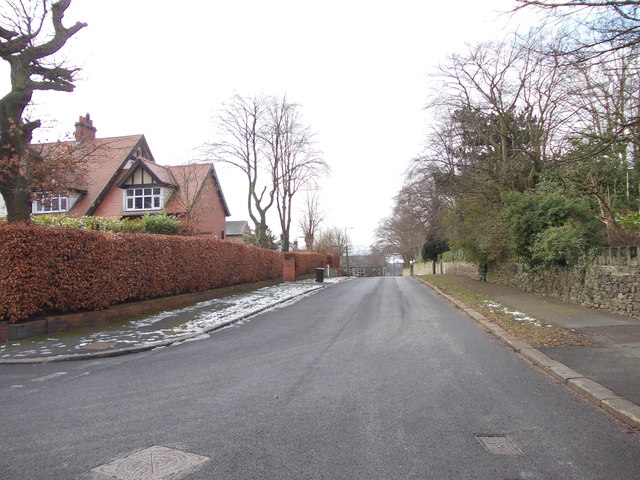 Nab Lane - viewed from Nab Wood Drive