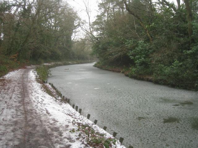 Bank repairs - Basingstoke canal