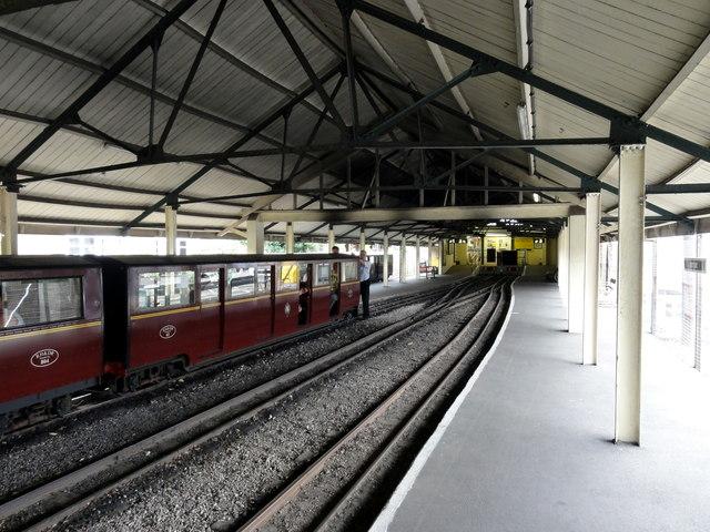 RH&DR Hythe railway station