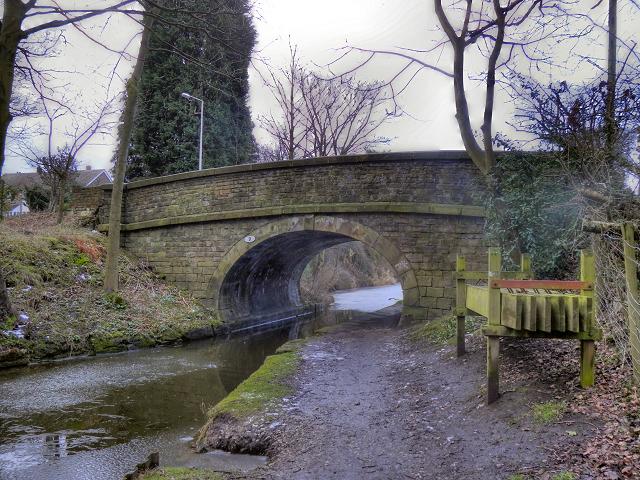 Macclesfield Canal. Bridge#9