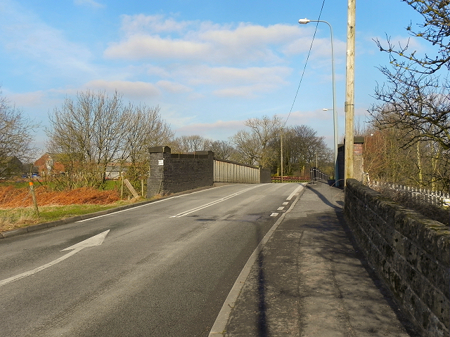 North Road, Atherton