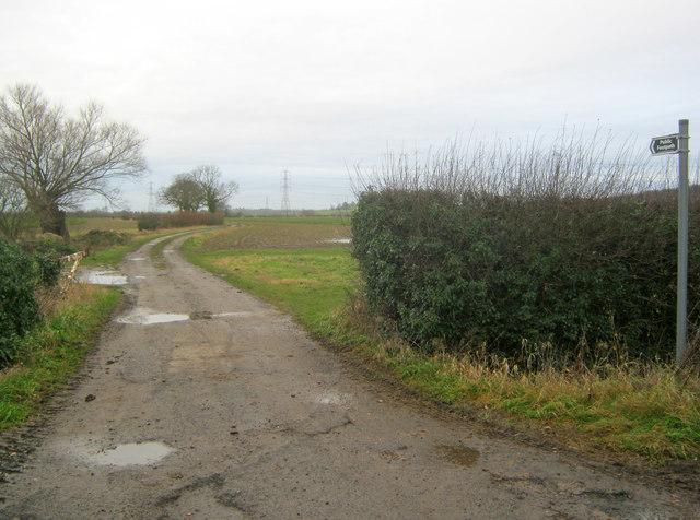 Farm track west of Kelham