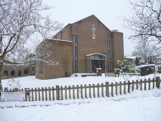 St Thomas's Church, Prince George Avenue, London N14