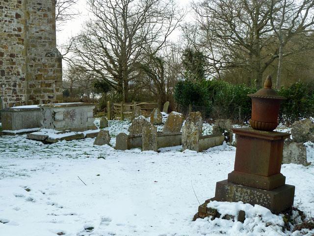Laughton churchyard