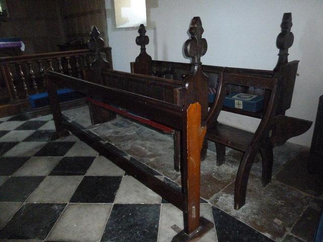 A late November visit to St Nicholas, Newnham (13)