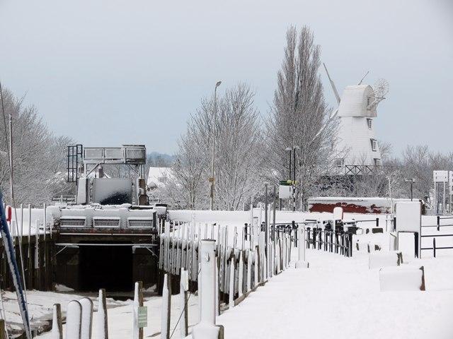 River Tillingham & Rye Windmill