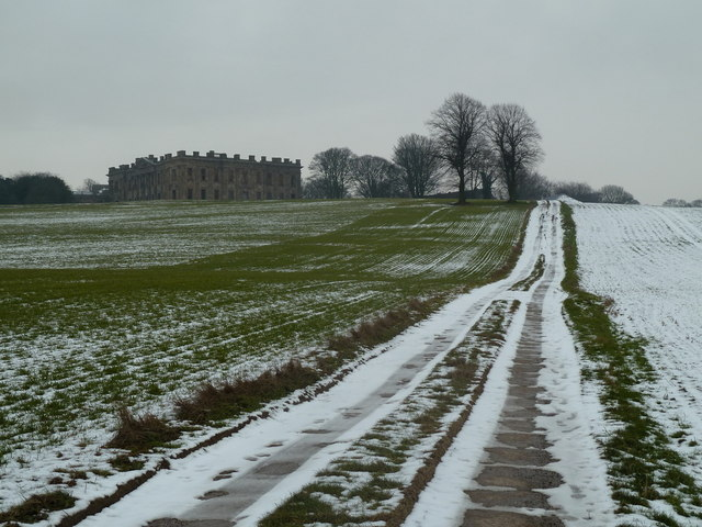 Track up to Sutton Scarsdale Hall
