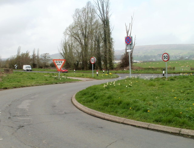 Road from Caerwent reaches the A48
