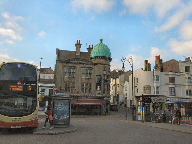 Bus stops near Brighton Station