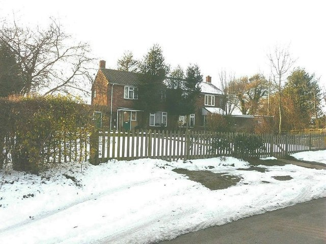 Shuttlesfield Cottages, Acrise