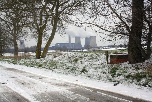 Cow Lane with Didcot Power Stations in the distance