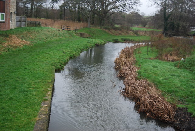 River Brit, Pymore