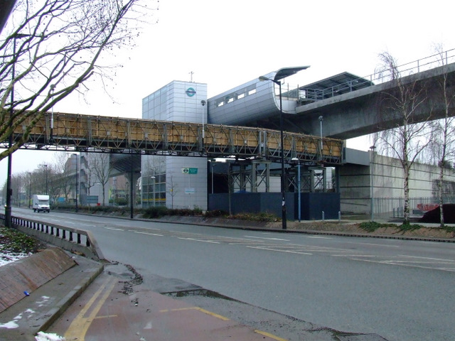 Pontoon Dock DLR station