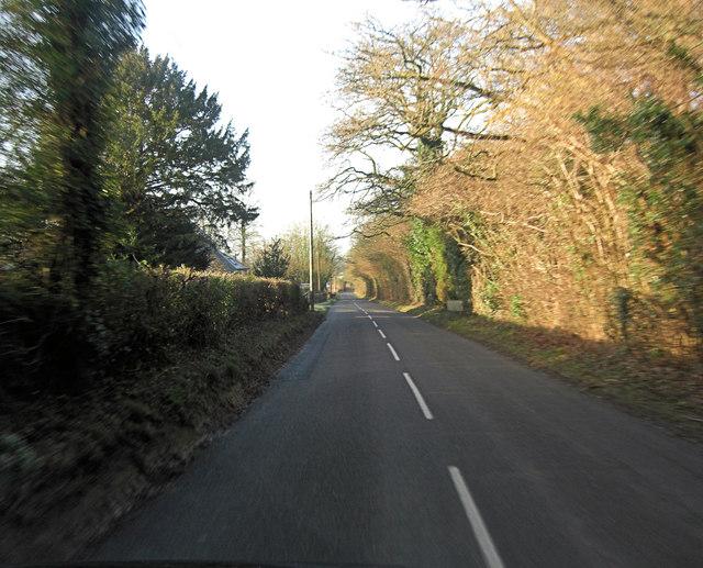 Minor road past Ridgeway Farm