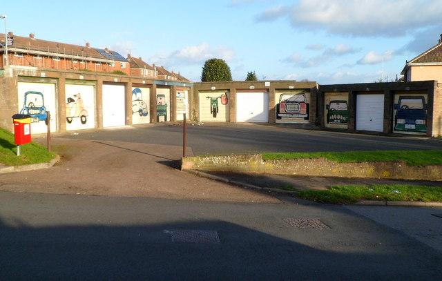 Garage artwork, Llwynu Lane, Abergavenny
