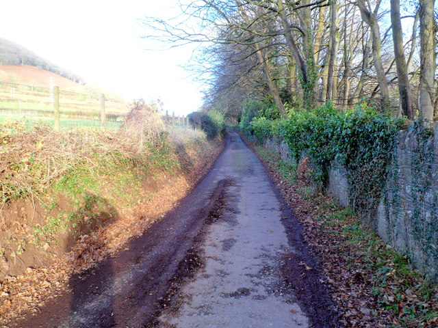 Deri Road heads NE away from Pen-y-pound, Abergavenny