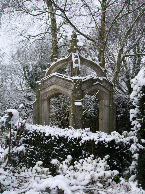 Folly, garden of School House, Thicketts Road, Mildenhall