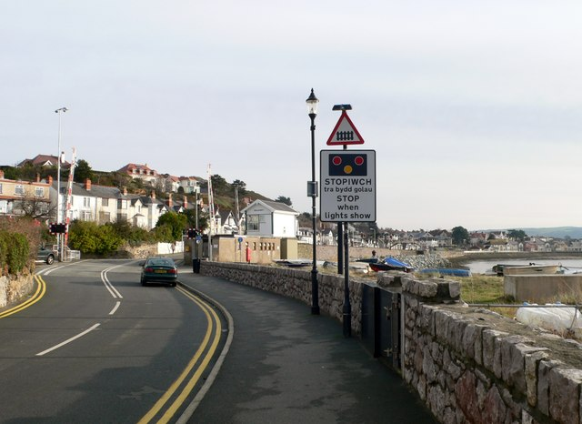 Approaching a level crossing in Deganwy