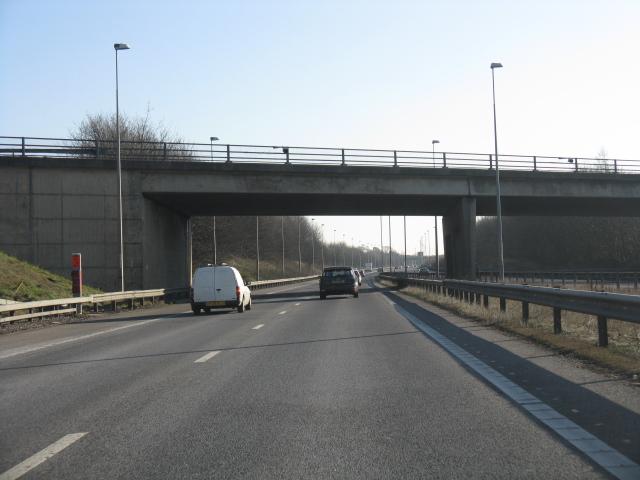M42 motorway - B4114 overbridge, southbound carriageway