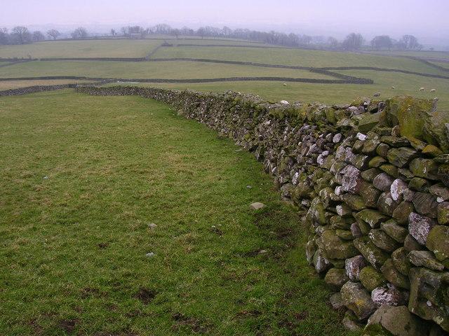 Drystone wall West of Austwick