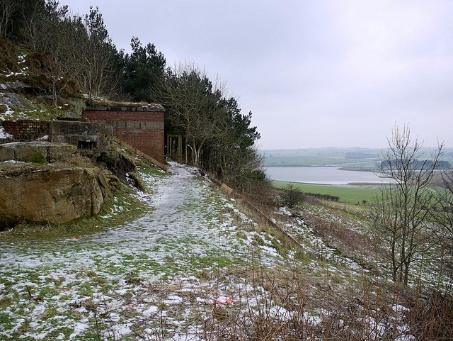 Wartime pillbox and building in North Quarry