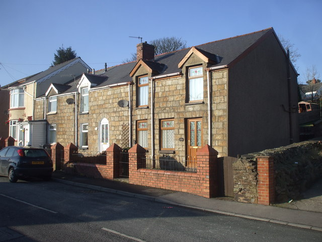 Stone cottages, King St, Brynmawr