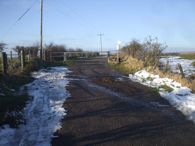 Vehicle barrier, Big Lane / Lon Fawr, Brynmawr