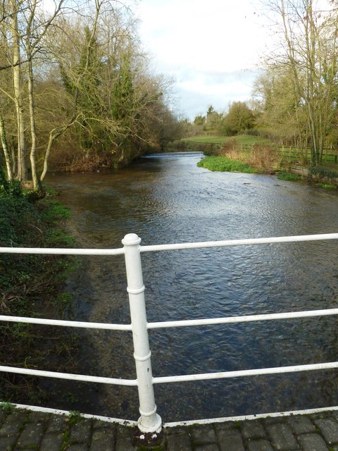 The stream looking north, as seen from the weak bridge at Upper Clatford
