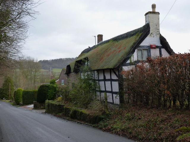 Thatched and half-timbered cottage in Harley