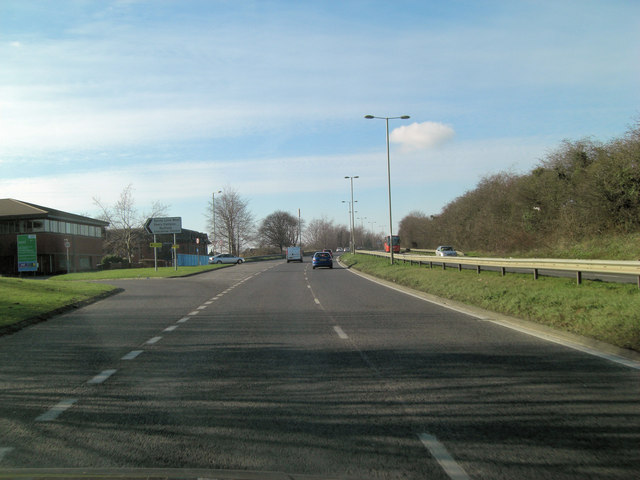 A4142 junction with Sandy Lane