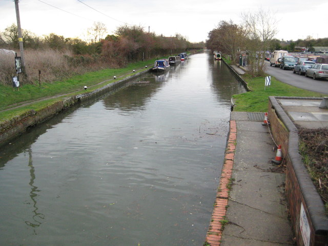 Grand Union Canal: Downstream of Whilton Locks