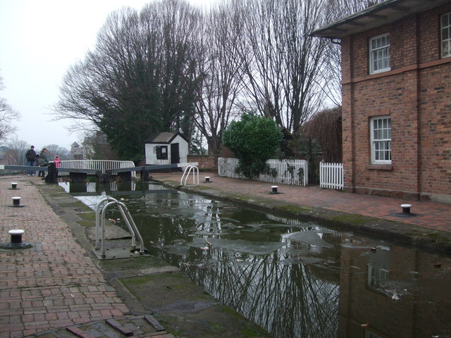 Upper lock at Northgate Staircase Lock Chester Canal (2)