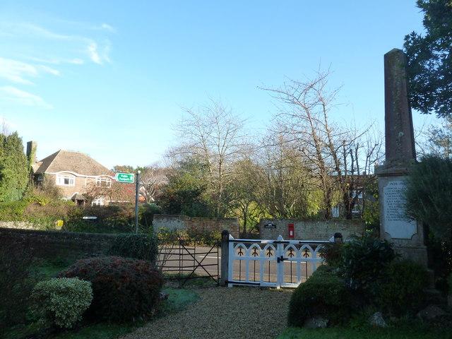 A circular walk around North Hayling (19)