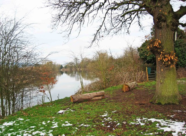 Two log seats overlooking the River Severn, near Stourport-on-Severn