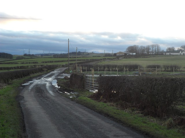 Road to Auchencloich Farms