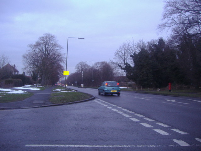 Court Road at the junction of Park Avenue