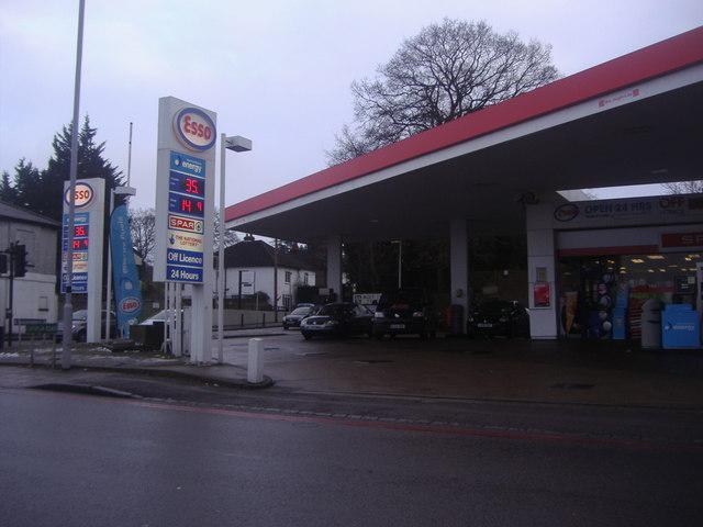 Esso garage on the corner of Westerham Road and Croydon Road