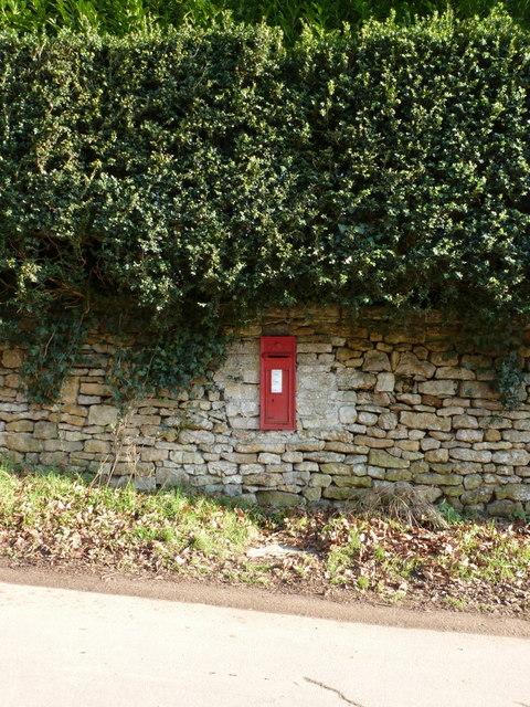 Trent: postbox № DT9 34