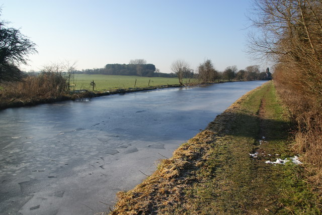 The Staffordshire and Worcestershire Canal south of Hazlestrine Bridge