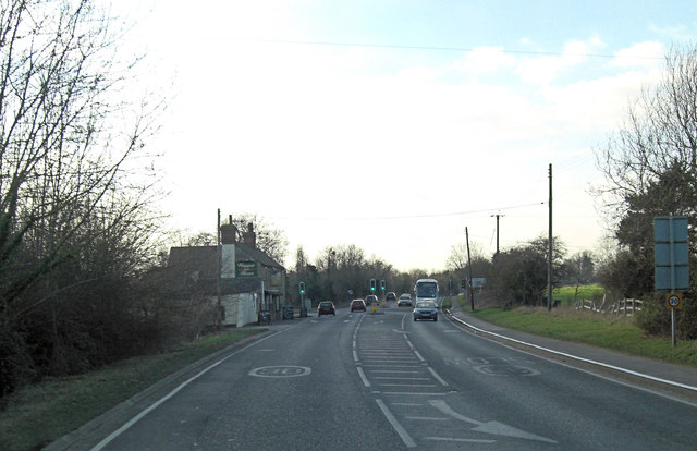 A415 approaches the Waggon and Horses junction