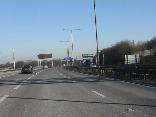 M6 motorway - start of the curve near Parkhill Wood