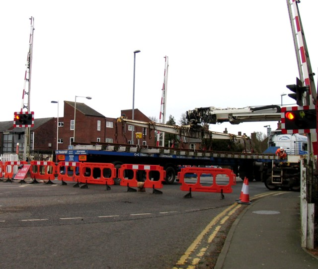 Rail Action at Oakham 13:The points are lifted