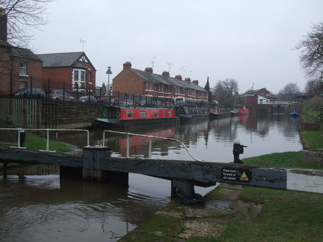 Chester Canal - lockpound